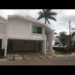 Casa en renta villas na-ha