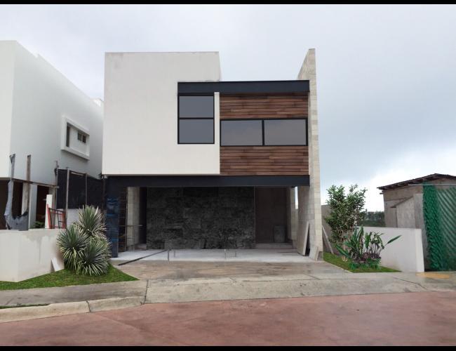 Casa Nueva Puerto Cancún en Venta