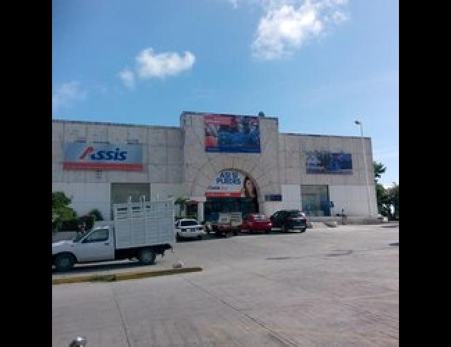 Edificio con varios locales  excelente ubicación zona popular en venta